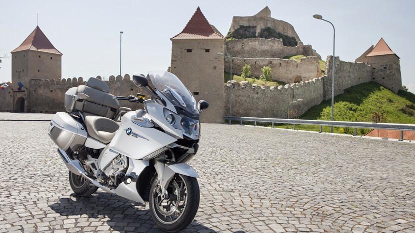 BMW-K1600-GTL-Exclusive-BMW-3asy-Ride-AutoExpert-830x467