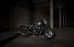 Harley-Davidson Street Rod – provocarea urbană