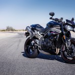 triumph-reveals-new-speed-triple-s-and-rs-models_12