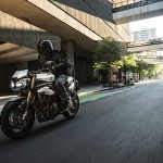 triumph-reveals-new-speed-triple-s-and-rs-models_15