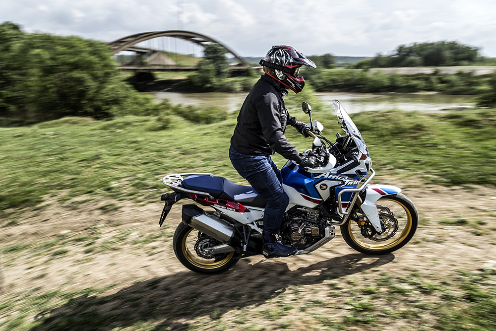 africa_twin_adventure_sports_motorxpert_action