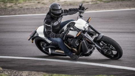 Harley-Davidson FXDR 114 – Un nou Power Cruiser bazat pe platforma Softail