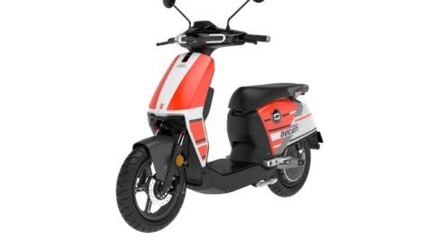 Scuterul electric Super Soco Cux Ducati Corse Limited Edition