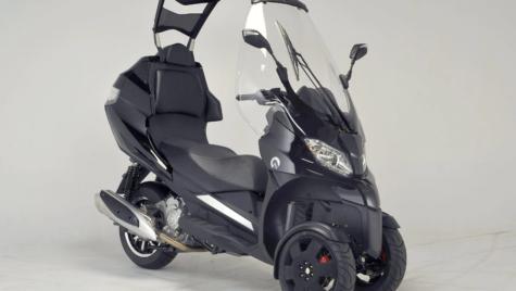 Adiva AD3 un nou scuter cu trei roți și acoperiș