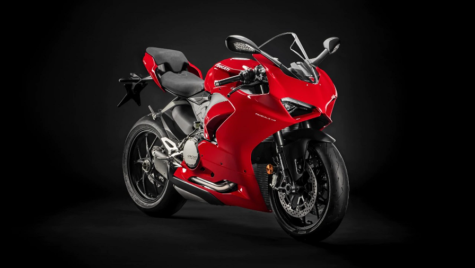 Cu Panigale V2, Ducati revine la motorizarea bicilindrică