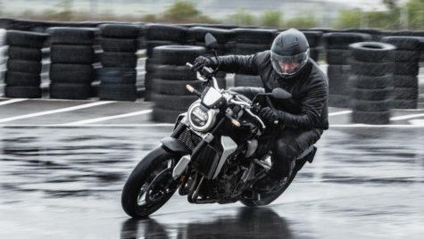 Test Honda CB1000 R+